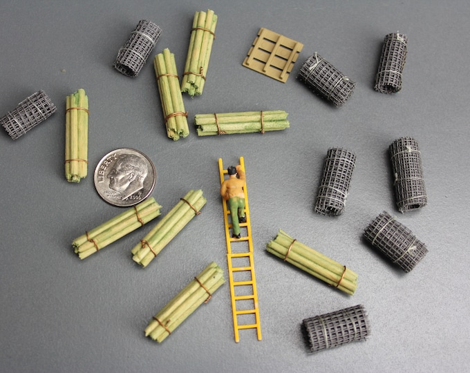 HO Scale Scenery Chicken Wire Crates Forklift and 1 Figure on Ladder