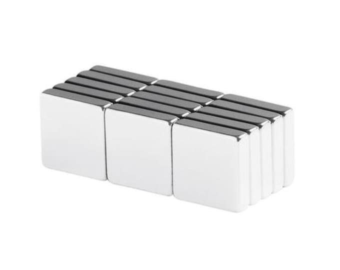 "MagnaKoys 7 pcs. 1/2"" x 1/2"" x 1/8"" Powerful Neodymium Rare Earth Block Magnets for Crafts Geocaching, Gear"