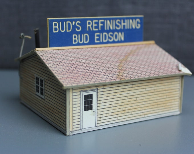 HO Scale Finished Model Bud's Garage Store Building for your Model Train Hobby