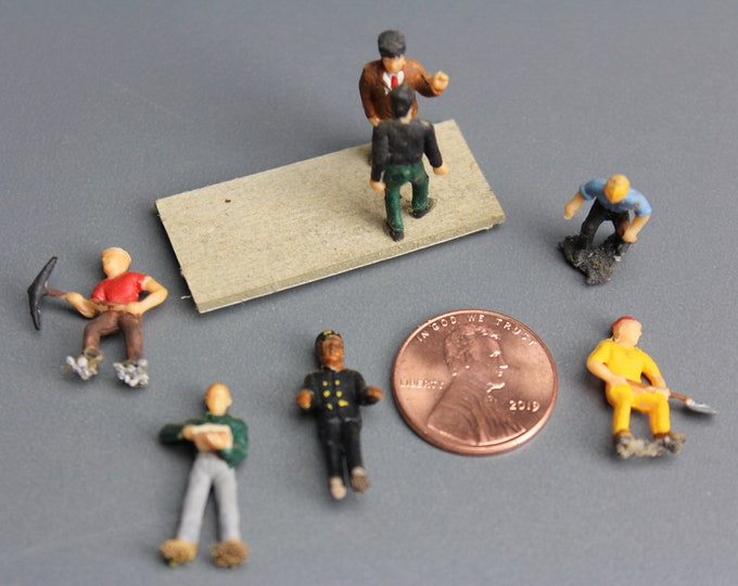 HO Scale Finished Models of 7 Different Painted Figures for your Model Train Hobby