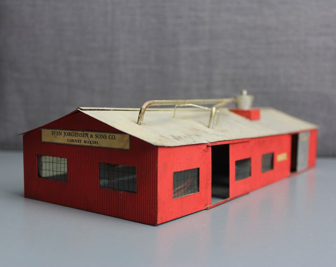 Vintage HO Scale Finished Steel Model Building for your Model Train Hobby