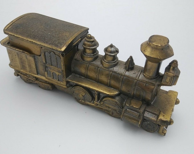 Vintage Windsor Japan Locomotive Train Lighter Looks Like Pewter