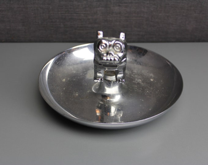 Vintage Steel Silver Ashtray Truck Hood Ornamentl of Mack Dog