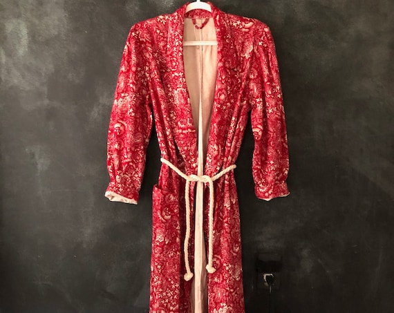 1980's Does 1940's Red Flannel Leaf Print Dress Robe House Coat Duster Puffed Sleeves Wrap Belted Loungewear Boudoir S/M/L