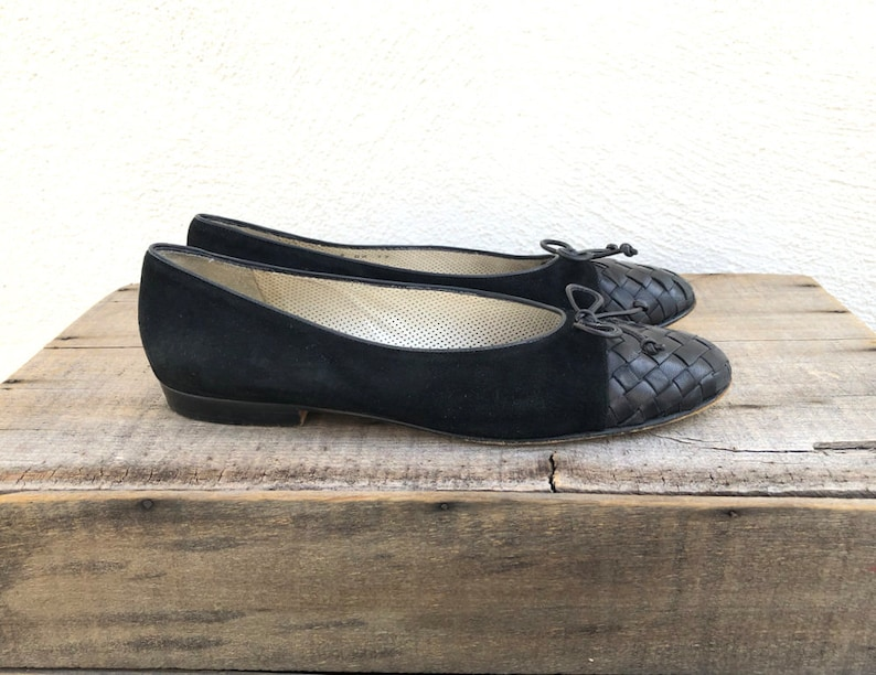 93f205e6142d7 90s Woven Leather Ballet Flats Black Leather Suede Cole Haan Flats Slippers  Round Toe Bow Shoe Ladies Size 9AA