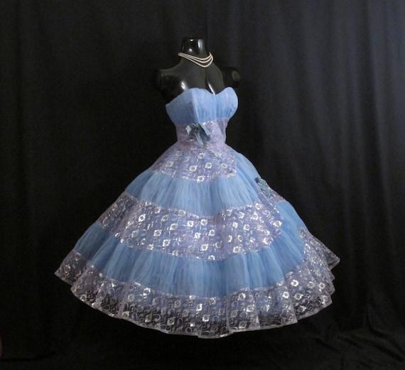 Vintage 1950's 50s STRAPLESS Bombshell Blue Lavend