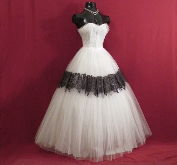 Vintage 1950's 50s STRAPLESS Black Lace White Tulle Circle Skirt Party Prom Wedding Dress Gown