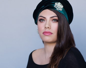 Turban Diva Emerald Green Velvet Turban, Head Wrap, Chemo Hat, Alopecia Scarf, Hijab, One Piece Fitted Wrap 332-01