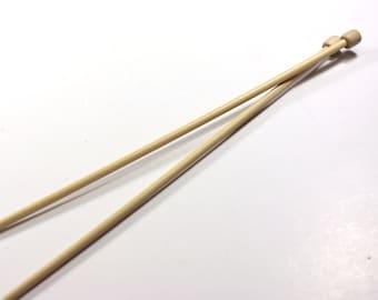 Takumi Bamboo Knitting Needles / ART no. 3012 / No. 9 / 5.5mm / 13inch long / 33cm