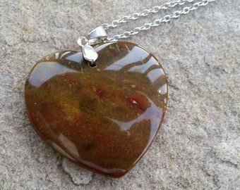 Delicate Nice Natural Old Ocean Jasper Love Heart Pendant Bead Necklace with 18 kgp stamped bail 45*43*6mm