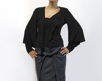 blouse,black blouse,asymmetric blouse,knitted blouse,long sleeves,original blouse,autumn blouse,black top,fall trend,size plus Model B53