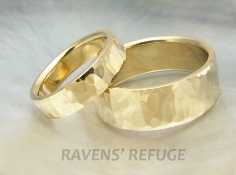 his and hers hammered gold wedding band set  8mm and 5mm image 0