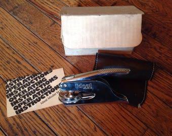 Vintage Ideal Model M Pocket Seal