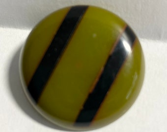 8 Pieces Bakelite Round Beads in Olive Green #984