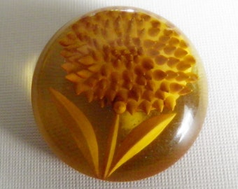Apple Juice Bakelite Button Undercut Flower