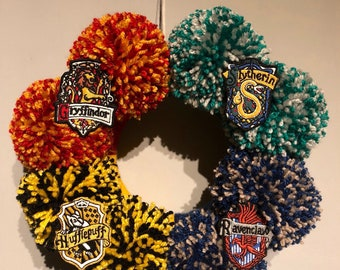 Harry Potter Hogwarts Pom Pom Door Wreath - Halloween / Christmas