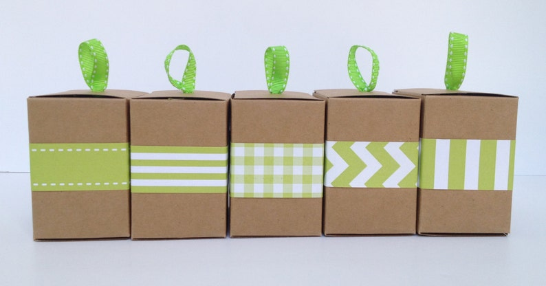 Narrow Green Paper Ribbon in Pattern of Your Choice image 0