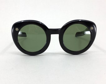 2cec4ca3c590 Vintage 1950s Claire McCardell Sun Specs