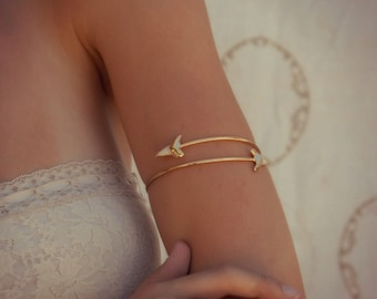 SHARK TOOTH ARMBAND /// Gold or Silver