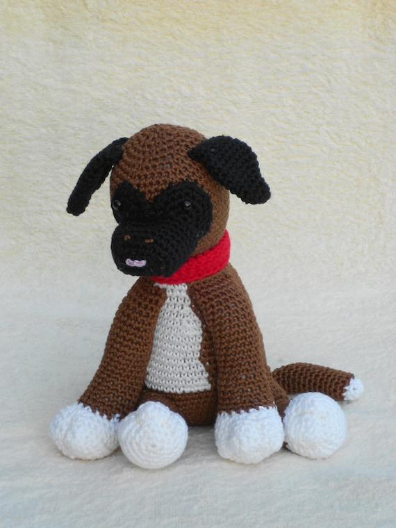 Patrón de ganchillo perrito Boxer o Palomas en la caja de