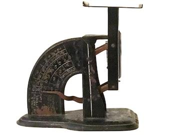 Vintage Reliance Stenciled Postal Scale