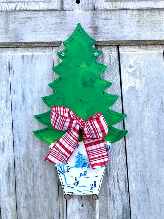 Chinoiserie, Christmas tree door hanger, Door hanger with chinosorie pot, Christmas tree in chinoiserie pot hanger, christmas toile