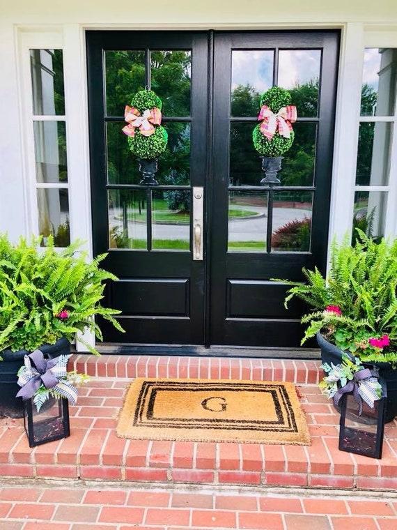 Boxwood Topiary door hanger, Door hanger, 3-D boxwood door sign, topiary door hanger, traditional door hanger, spring door hanger