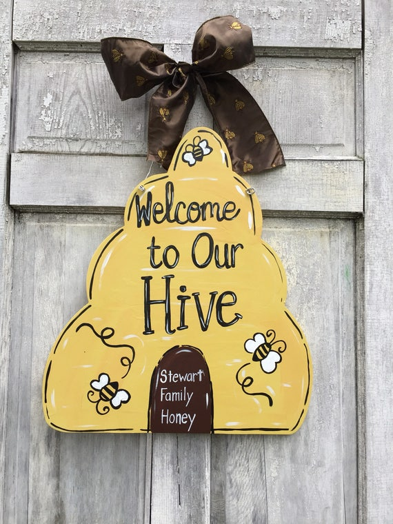 Bee keeper door hanger, Hive door hanger, Bee classroom sign, Bee sign, Bee farm, beekeeper sign, honey bee sign, Bee hive sign, bees