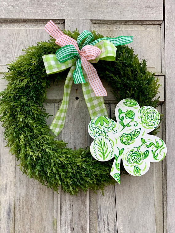St Patrick's Day wreath, shamrock wreath, boxwood wreath, chinoiserie clover wreath, spring boxwood wreath, st Patrick's day door decor