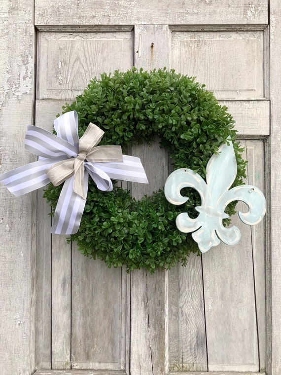 Fleur de Lis wreath, farmhouse wreath, fleur de lis door hanger, boxwood wreath, Kentucky Derby decoration, fleur de lis wreath
