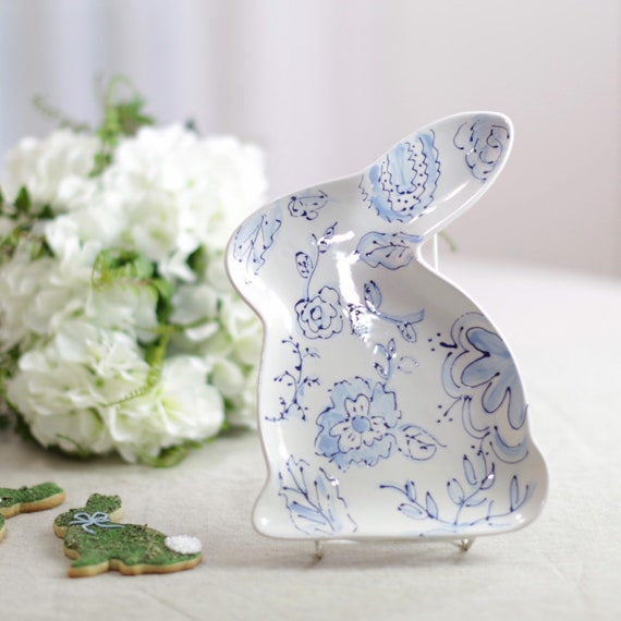 Blue and white easter dish, bunny dish, chinoiserie easter dish, bunny tray, ceramic bunny dish, easter table decor, easter decor