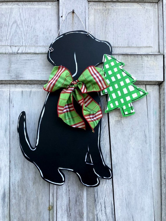 Christmas, Labrador door hanger, labrador door hanger, winter door hanger, dog with tree door hanger