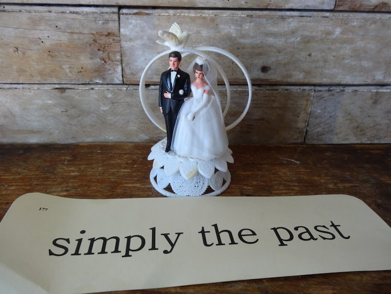 Vintage Wedding Bride And Groom Brownish Head Cake Topper Lovely Shabby Chic Piece 1950s