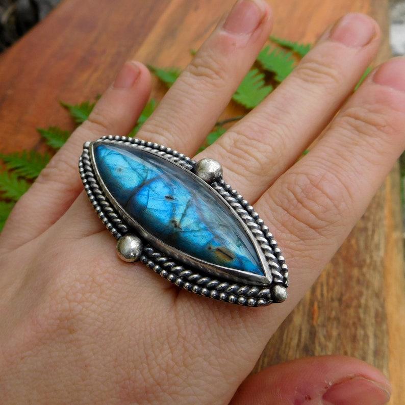Large labradorite statement ring Bohemian style Artisan metalwork sterling silver size 8