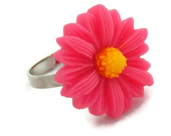 Retro Hot Pink Daisy Ring, Vintage Style, 50s, 60s, Pink Flower Ring