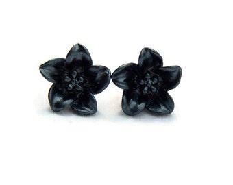 Black Lily Earrings - Dark flower earrings - Retro Resin jewelry - Rockabilly, Pinup, Vintage Style