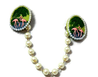 Flamingo Cameo Sweater Clip with White Pearls, Rockabilly Pinup Sweater Guard, Cardigan Clip, Sweater Clasps, Collar Clip, Collar Chain