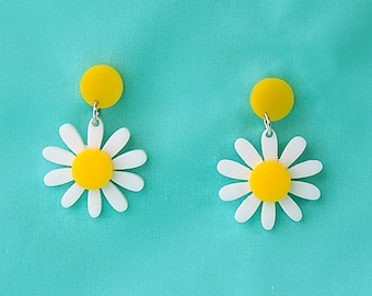Retro Daisy Acrylic Dangle Earrings  - Vintage Yellow and White Plastic Flower Drop Earrings - Rockabilly Mod Pinup Nickel Free Jewelry