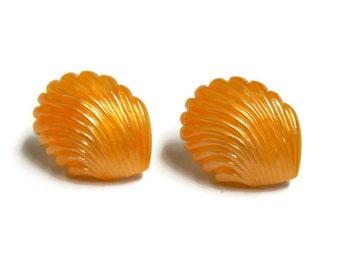 Yellow lucite shell earrings, vintage celluloid earrings, resin cabochon, 1940s, 1950s, butternut seashell, nickel free post earrings