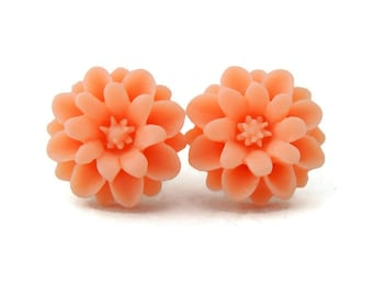 Retro Peach Flower Earrings, Resin Crysanthemum, Rockabilly Earrings, Pin Up Earrings