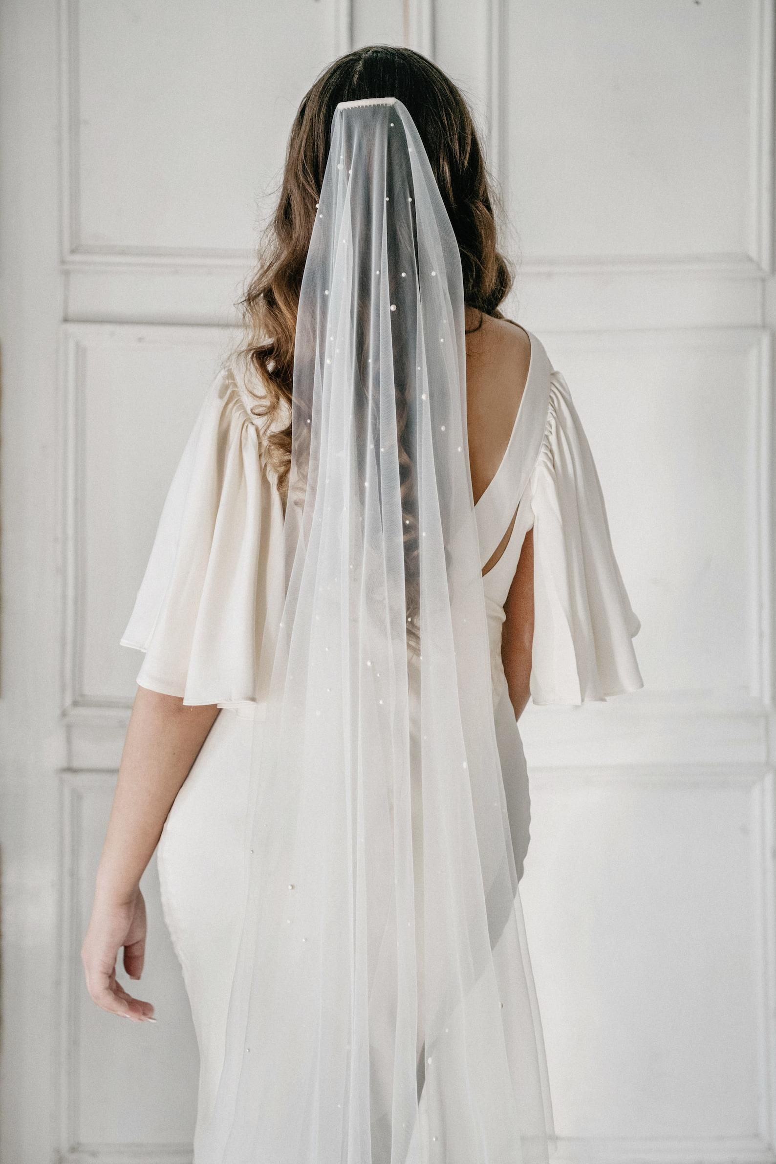 Brautschleier mit Perlen