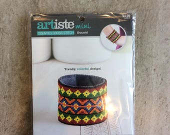 Artiste Mini Cross Stitch Bracelet Making Kit