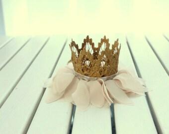 CAMELIA - Leaves Lace Crown HeadBand Newborn Headband, Baby Fascinator, Newborn Lace Ivory Chiffon Leaves Princess crown Toddlers Birthday