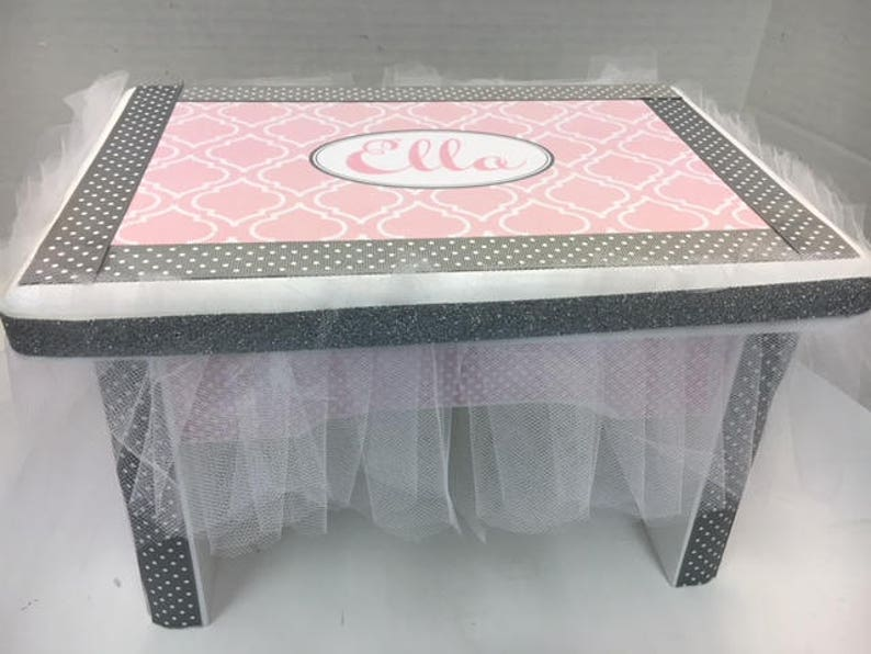 Little Girl/'s Bench Pink and Gray Moroccan Design