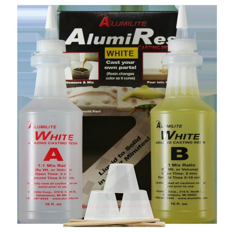 Alumidust Alumilite 1-3 Gram Jar of Bright Blue RM