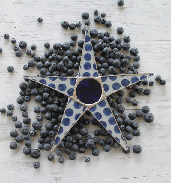 Blueberry Skies star- 10 inch lacquered fabric under glass with cobalt art glass center