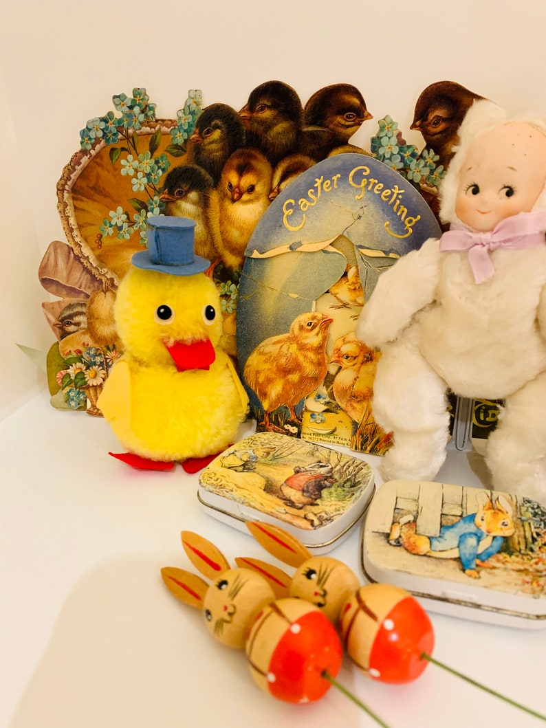 Russ Berrie Plush Yellow Duck With Top Hat Vintage Decoration