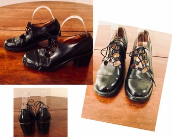 1b78751d60c Vintage ladies black leather lace up walking shoes made in Italy by Aldo  size 39