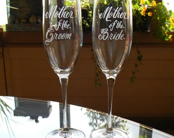 Mother of the Bride and Groom Champagne Glasses Personalized with your wedding date-Set of 2