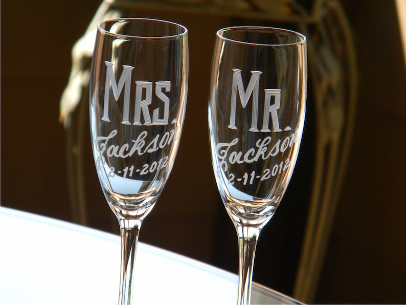 Personalized Wedding Mr & Mrs Champagne Flutes Set of 2 image 0